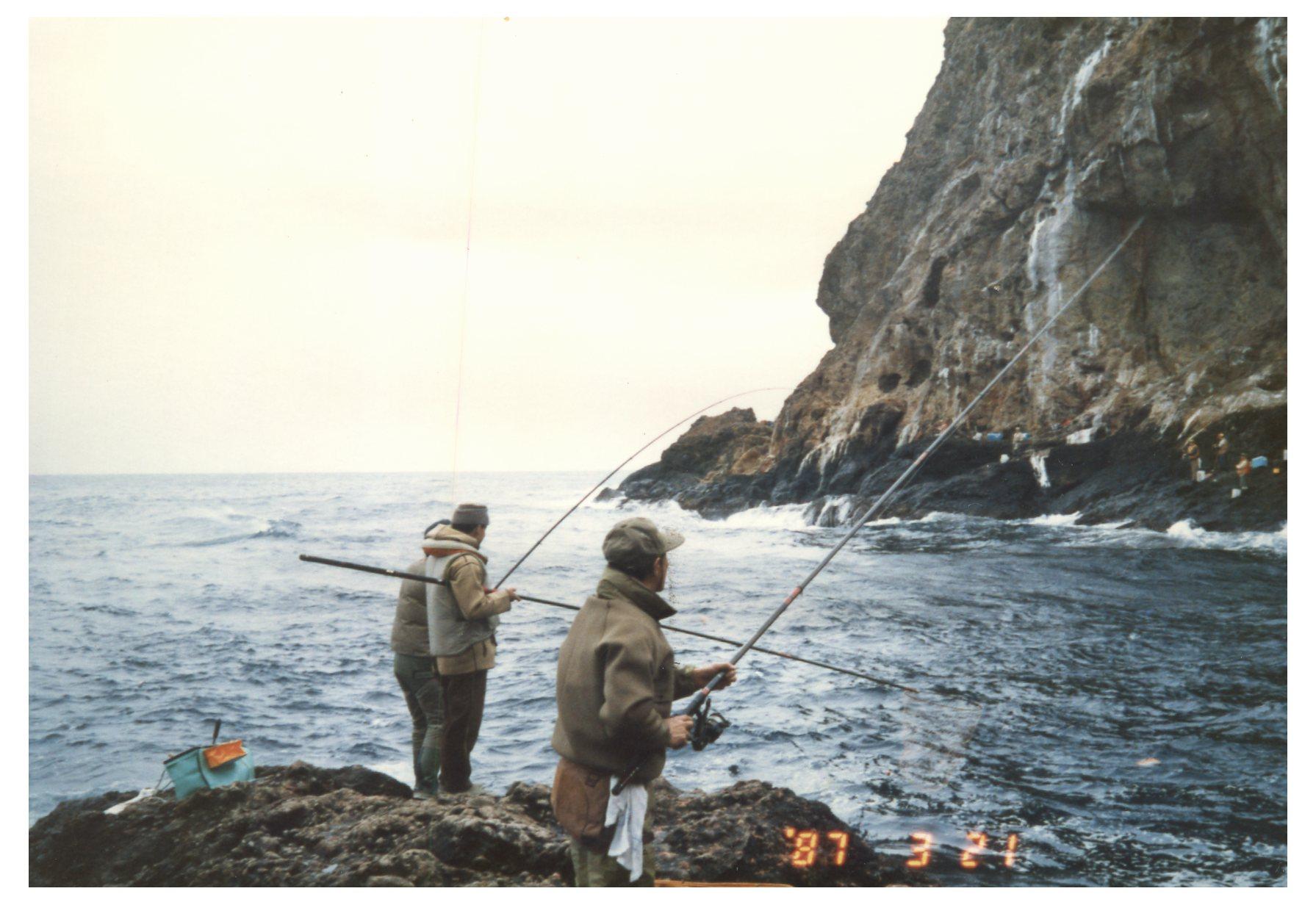 湯瀬中の瀬での釣り風景
